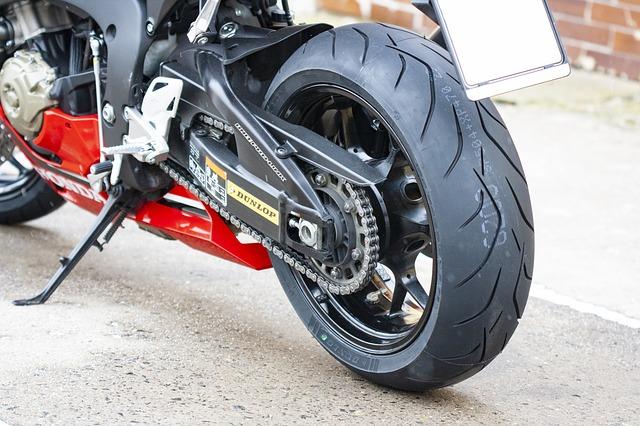 Road Trip Moto en France, optimiser vos pneumatiques pour des vacances sécurisées